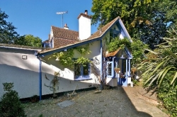 well-cottage-front