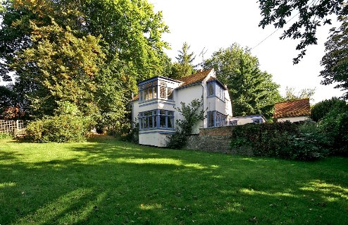 well-cottage-gardens