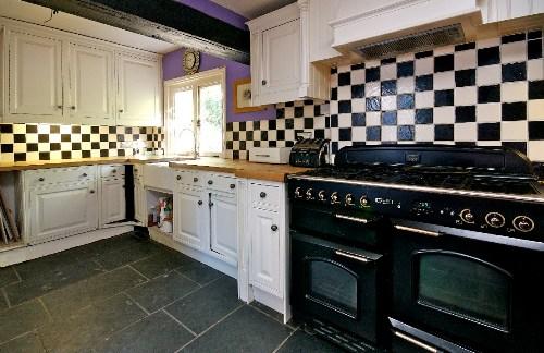 well-cottage-kitchen